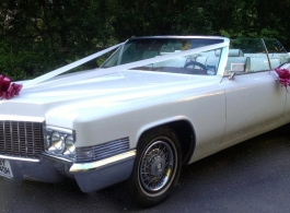 American Cadillac wedding car in Mansfield